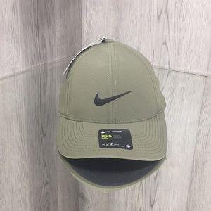❤️ Nike Aerobill Legacy 91 Cap olive